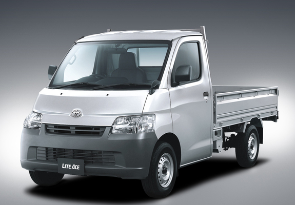 Toyota Lite Ace Truck - 5