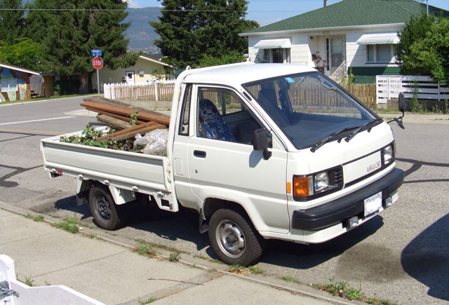 Toyota Lite Ace Truck - 3