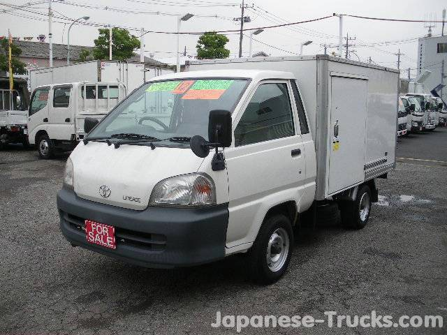 Toyota Lite Ace Truck - 4