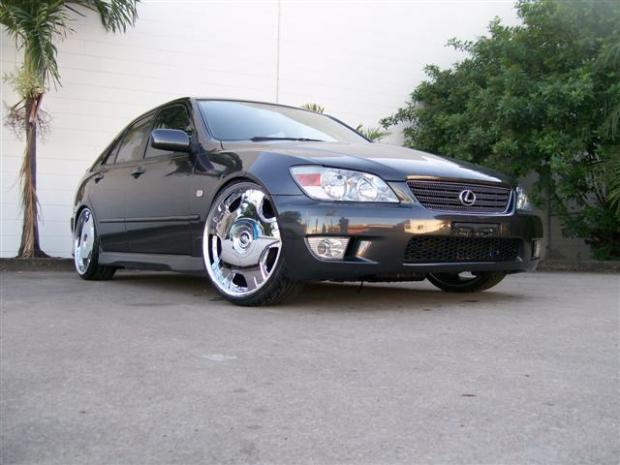 Lexus IS 200 - 4